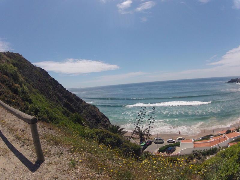 Arrifana-surf-beach-break